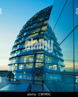 Reichstag buidling, roof top terasse cupola by Sir Norman forster at twilight, Berlin - Stock Photo