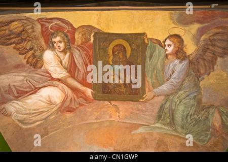 Russland Uglitsch Russisch-orthodoxe Kirche des Nativity Johannes der Täufer (1690) Fresko mit Engeln - Stockfoto