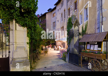 restaurant at night in the old town rouen normandy france stock photo royalty free image. Black Bedroom Furniture Sets. Home Design Ideas