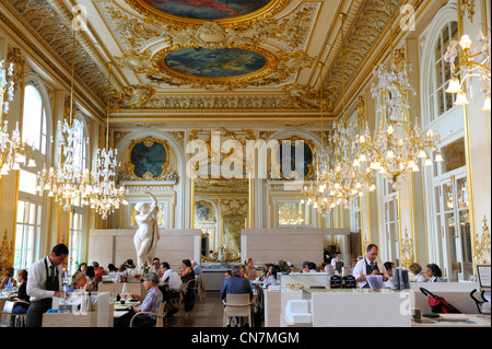 France, Paris, restaurant in Orsay Museum, housed in the Gare d'Orsay, former railway station (1898) - Stock Photo