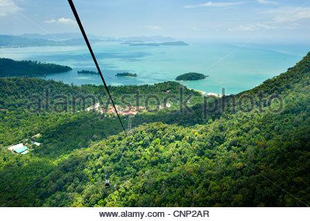 Cable cars ascend Gunung Machincang, Pulau Langkawi, Malaysia. - Stock Photo