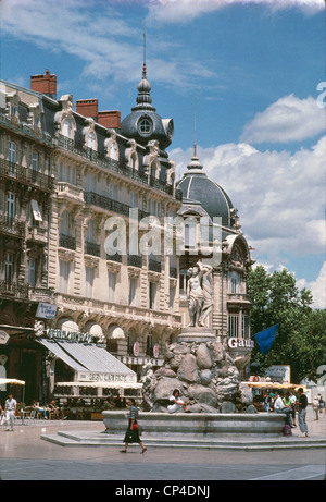 France - Languedoc-Roussillon - Montpellier - Place de la Comedie, the fountain of the Three Graces. - Stock Photo