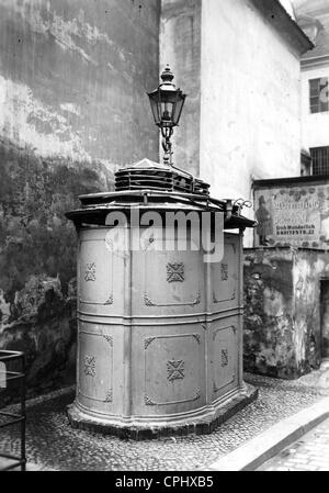 public toilet in berlin stock photo 44068668 alamy. Black Bedroom Furniture Sets. Home Design Ideas