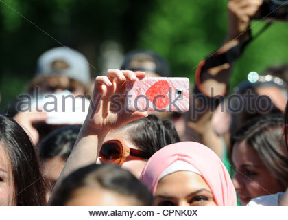 Dunya Festival Rotterdam The Netherlands 27th May 2012 The crowd go crazy for Turkish SKA  / punk sensation Athena - Stockfoto
