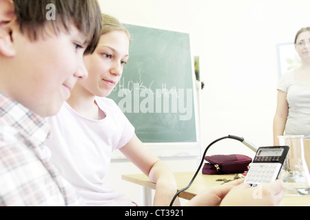 Students working in technology lab - Stock Photo