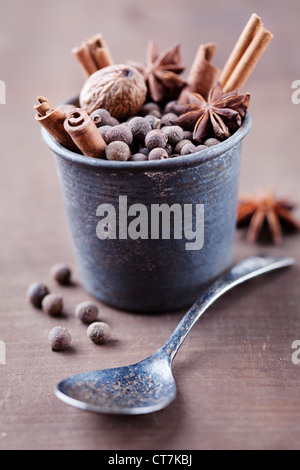 rustic setting with dried spices - Stockfoto