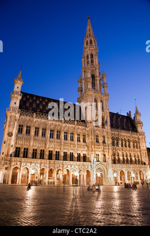 Brussels - The main square and Town hall in evening. Grote Markt. - Stock Photo