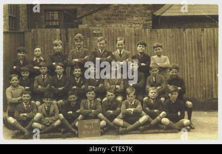 Boys' school photograph - class of group 1V boys dated 1927-1928 - Stock Photo