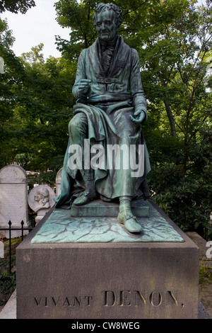 Tomb of Dominique Vivant, Baron de Denon in the Pere Lachaise cemetery, Paris. Dominique Vivant, Baron de Denon - Stock Photo