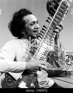 Ravi Shankar, musician, composer, performer and scholar, portrait, 1970s. Courtesy: CSU Archives / Everett Collection - Stock Photo