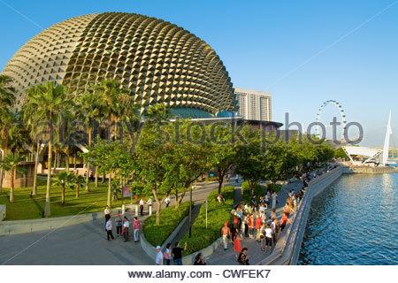 Singapore Esplanade at the Marina Bay, Singapore   Singapore Esplanade in der Marina Bay, Singapur - Stock Photo