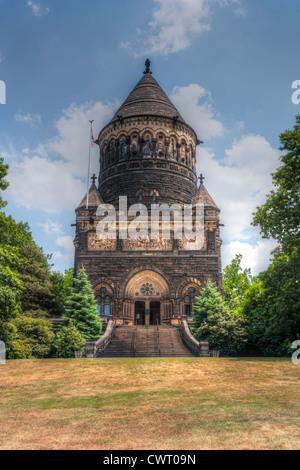 James Garfield Monument Cleveland Tour