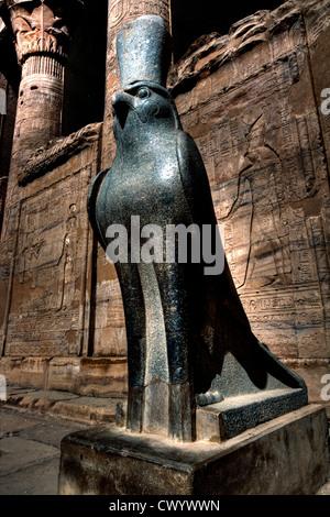 fine arts, ancient world, Egypt, Old Kingdom, sculpture, double statue, king Nyuserre Ini, calcite, circa 2390 BC, state collect