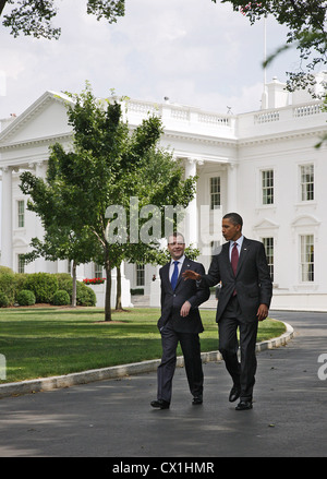 WASHINGTON, USA. JUNE 25, 2010. Russian Federation president Dmitry Medvedev and U.S. president Barack Obama (R) - Stock Photo