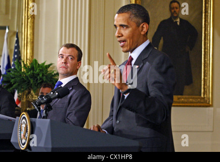 WASHINGTON, USA. JUNE 25, 2010. U.S. President Barack Obama and Russian President Dmitry Medvedev (L) give a joint - Stock Photo