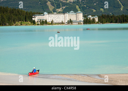 Lake Louise in the Canadian Rockies. - Stockfoto