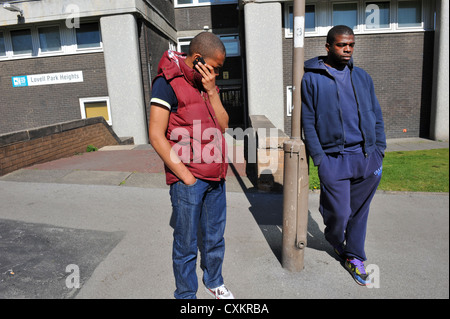 Two Young Unemployed Youth  on a street, Leeds UK - Stockfoto