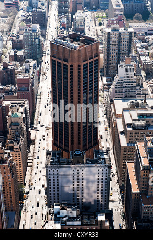 overview of the state and the city of new york and its landmarks New york city is justly renowned as the site of one of the greatest cities on earth on its southeastern coast, but the state of new york also can boast of numerous natural wonders much of the.