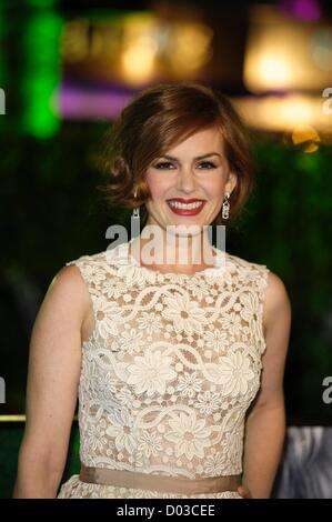 London, UK. 15th November 2012. Isla Fisher attends the UK Premiere of Rise of the Guardians on 15/11/2012 at The - Stock Photo