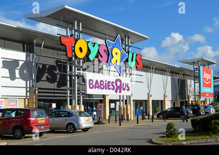 Mar 14,  · Toys R Us was founded in in Washington, D.C., as a baby furniture business. By the mids, it was a public company with hundreds of toy .