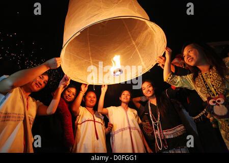 Chiang Mai, Thailand. 24th November 2012. Khom Loy Lanterns at the Yee Peng Sansai Floating Lantern Ceremony, part - Stock Photo