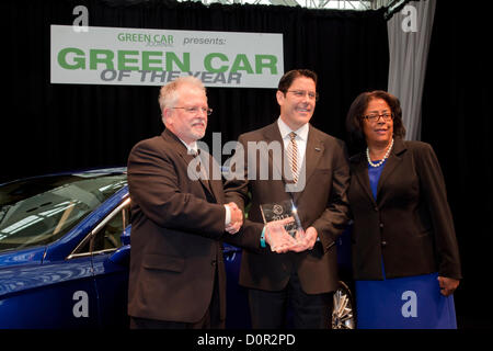 Los Angeles, USA. 29th November 2012. David Mondragon, Ford general marketing manager, Ron Cogan, editor and publisher - Stock Photo