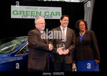 Los Angeles, USA. 29th November 2012. David Mondragon, Ford general marketing manager, Ron Cogan, editor and publisher - Stock Photo