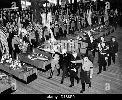 Germans honor victims of the Hindenburg disaster. Funeral services were held on the pier of the North German Lloyd - Stock Photo