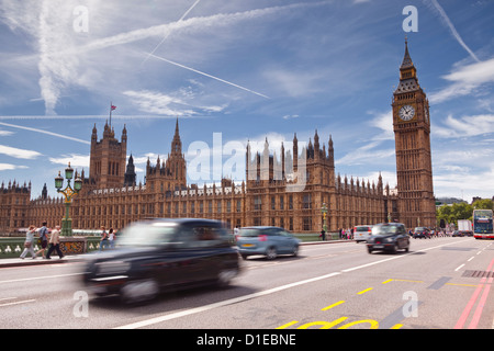 Westminster Bridge and the Houses of Parliament, Westminster, London, England, United Kingdom, Europe - Stock Photo