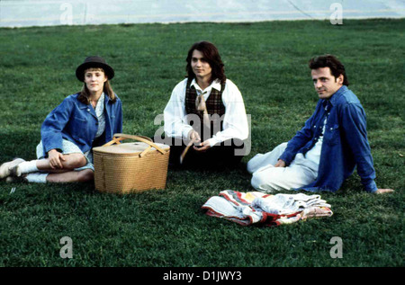 Benny & Joon  Benny & Joon  Mary Stuart Masterson, Johnny Depp, Aidan Quinn So gut es geht, kuemmert sich Benny - Stock Photo