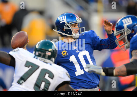New Jersey, USA. 30 December 2012: New York Giants quarterback Eli Manning (10) during a week 17 NFL matchup between - Stock Photo
