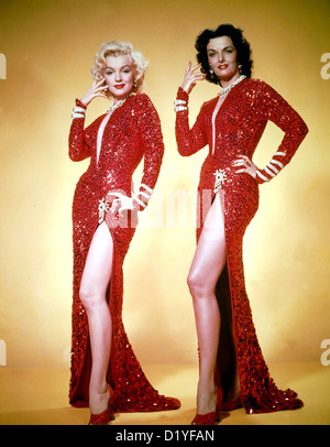 GENTLEMEN PREFER BLONDES 1953 20th Century Fox film - promotional photo of  Marilyn Monroe at left and Jane Russell - Stock Photo