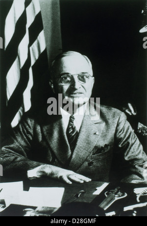 biography of the 33rd president of the united states harry s truman Harry s truman (may 8, 1884 – december 26, 1972) was the 33rd president of the united states (1945–1953) as president franklin d roosevelt's third vice-president and the 34th vice president of the united states, he succeeded to the presidency on april 12, 1945, when president roosevelt died.