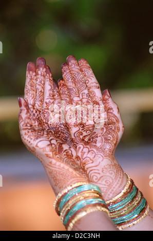 Mehandi On A Maharashtrian Indian Bride Hand - Stockfoto