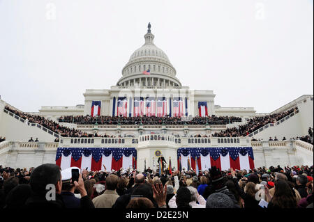 People cheer the arrival of President Barack Obama on the west face of the US Capitol during the 57th Presidential - Stock Photo