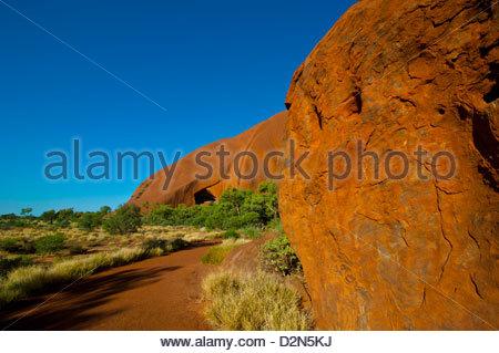Uluru (Ayers Rock), Uluru-Kata Tjuta National Park, UNESCO World Heritage Site, Northern Territory, Australia, Pacific - Stock Photo