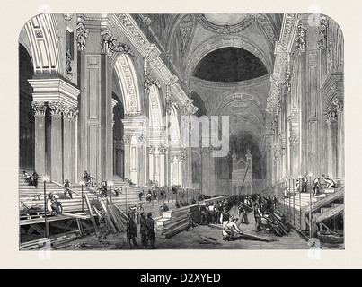 PREPARATION IN ST. PAUL'S CATHEDRAL, FOR THE FUNERAL OF THE DUKE: THE NAVE, BY GASLIGHT, 1852 - Stock Photo