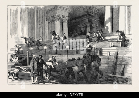 PREPARATION IN ST. PAUL'S CATHEDRAL, FOR THE FUNERAL OF THE DUKE: SIDE AISLE, BY GASLIGHT, 1852 - Stock Photo