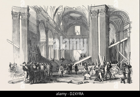 PREPARATIONS FOR THE FUNERAL OF THE DUKE OF WELLINGTON, IN ST. PAUL'S CATHEDRAL: VIEW IN THE NAVE, LOOKING WEST, - Stock Photo