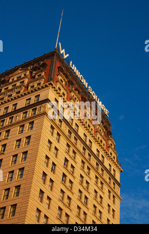 NEW YORK, NY, USA - DECEMBER 28, 2012: Facade of the W Union Square in New York, NY, USA on December 28, 2012. - Stock Photo