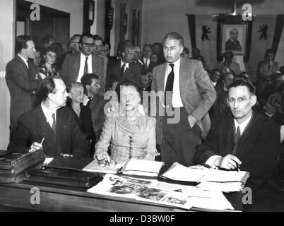 Leni Riefenstahl, Hitler's favourite film propagandist, dies at 101