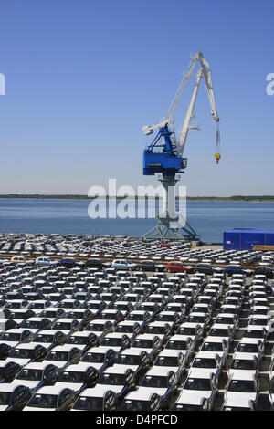 Imported new cars stand in the industrial harbour of Paldiski near Tallinn, Estonia, June 2009. Photo: Willy Matheisl - Stock Photo