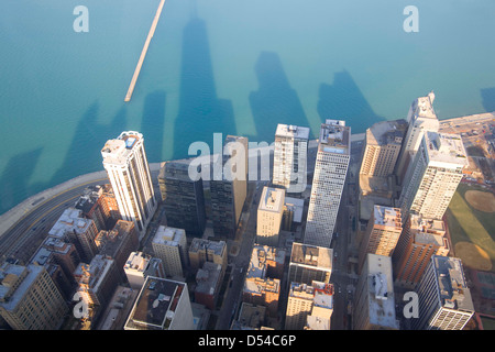 Chicago and Lake Michigan from the 94th floor of the John Hancock Building, Chicago, Illinois - Stockfoto