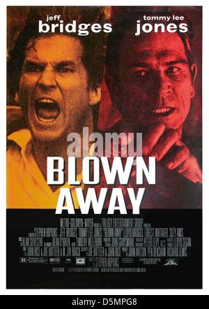 JEFF BRIDGES & TOMMY LEE JONES BLOWN AWAY (1994) - Stock Photo