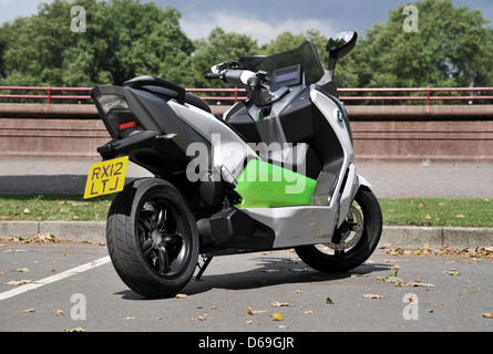 bmw electric bike concept on the streets of london stock. Black Bedroom Furniture Sets. Home Design Ideas