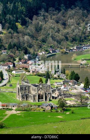 Tintern abbey gloucestershire