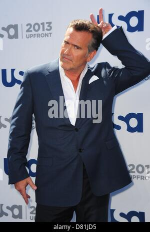 New York, NY, USA. May 16, 2013. Bruce Campbell at arrivals for USA Network 2013 Upfront Event, Pier 36 - Basketball - Stock Photo
