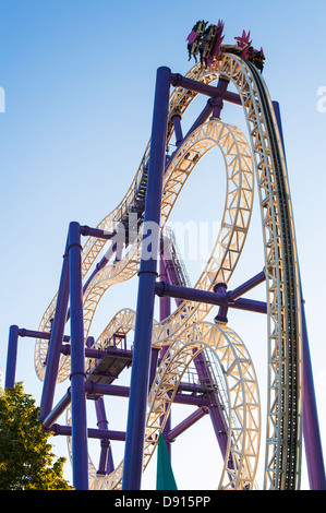 Low angle view of rollercoaster - Stockfoto