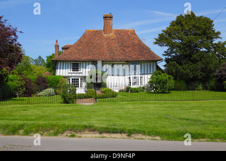 Half timber house on the Green at Woodchurch Kent England UK GB - Stock Photo