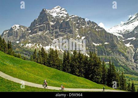Hikers in the Swiss Alps, Grindelwald, Bernese Oberland ...